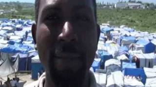 preview picture of video 'Un camp de réfugiés à Port-au-Prince,Haiti.'