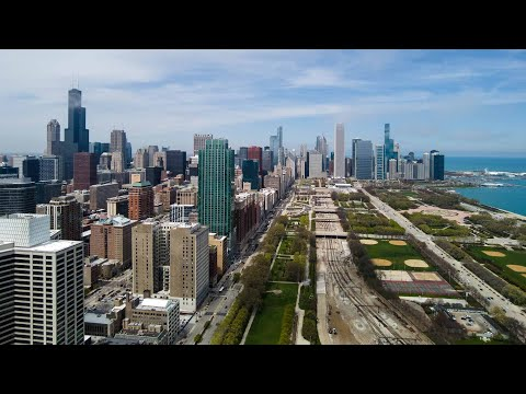 A South Loop 3-bedroom, 3 1/2-bath Plan 3SG at the iconic new NEMA