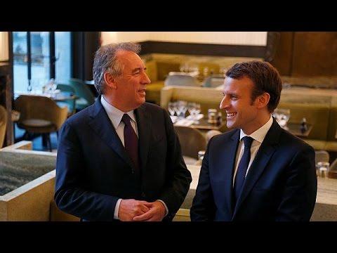 Γαλλία: Νέα δυναμική στην υποψηφιότητα Μακρόν μετά τη συμμαχία με τον Μπαϊρού