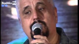 Pino Daniele in acustico, A me me piace o' blues   (c.RiNo)