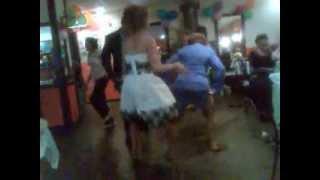 Смотреть онлайн Как в Челябинске танцуют на выпускном