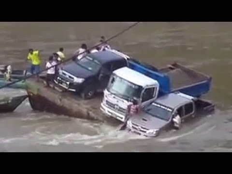 Car Fails In Water [ SINKING VEHICLES & CAR ACCIDENTS FAIL COMPILATION]