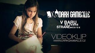 Video V baru na temné straně měsíce (HD)