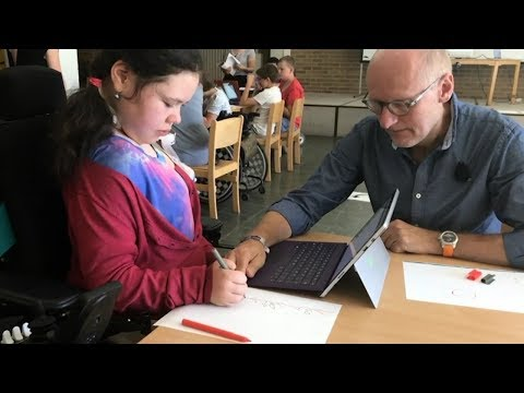 Programmieren für alle Kinder: Code your Life wird inklusiv - Video des Programmierworkshops an der Carl-von-Linné Schule in Berlin
