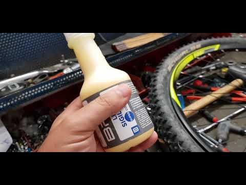 Bucare mai con le camere d'aria antiforatura in bicicletta