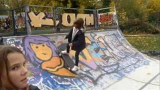 preview picture of video 'Gabi 6 ans au skatepark de Saint Germain en Laye'