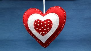 Valentine Crafts: DIY Valentine Decoration Ideas, Felt Heart Hangings
