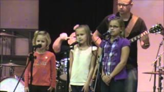 9 year old sings Donovan's Hurdy Gurdy Man