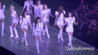 [FANCAM] SNSD @ Girls' Generation World Tour 2011 performing I'm in Love with the Hero