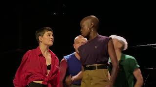 Christine and the Queens - Comme si (Live in NYC, 10-31-18) (4K, 60 FPS, Stereo)