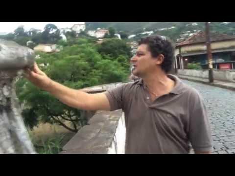 Canteiro Edniz José Reis que restaurou cruz em Ouro Preto