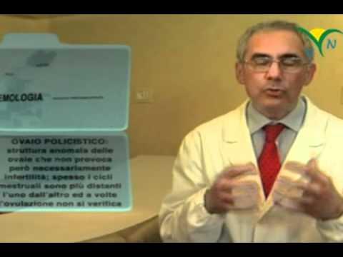 Dermatite di atopic a bambini di sintomi di 3 anni e trattamento di una fotografia