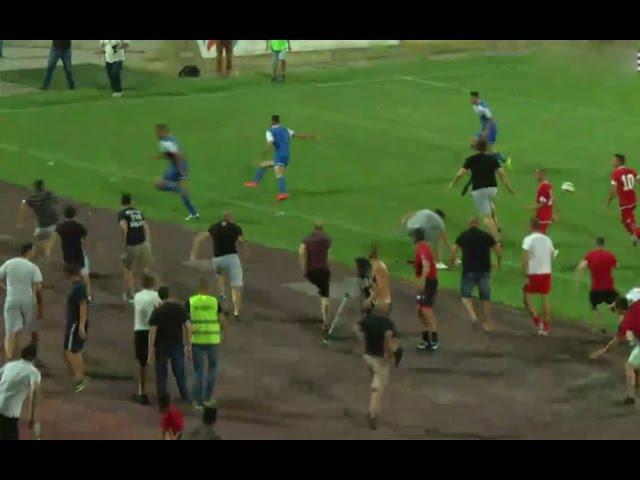 """""""علقة"""" لفريق إسرائيلي من قبل الجماهير البلغارية خلال مباراة ودية"""