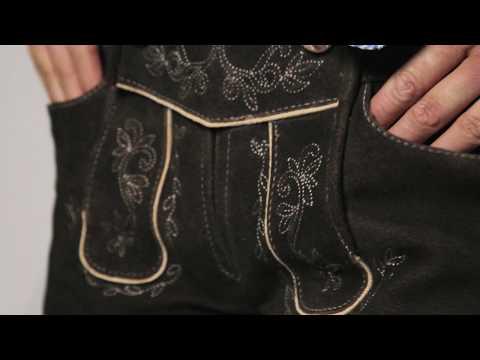 Freche Damen Lederhose mit Trachtenbluse