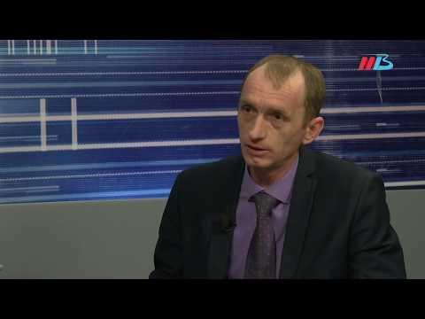 Рубль падает: как тратить деньги, брать ли кредит, куда вложить маткапитал?