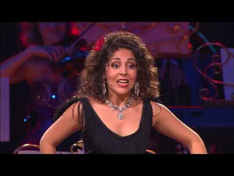 """המנצח אנדרה ריו והזמרת כרמן מונרצ'ה בביצוע לשיר מהאופרה """"ג'ודיטה"""""""