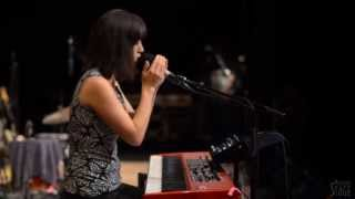 <b>Vienna Teng</b>  Aint No Sunshine / Lose Yourself  Live From Mountain Stage