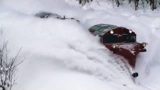 豪快に排雪する宗谷本線ラッセル【DE15】