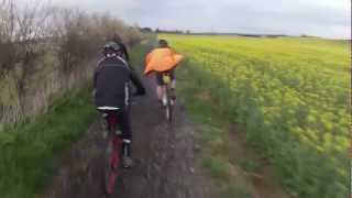 preview picture of video 'ivinghoe mtb ride 12/4/2012 pt 1'