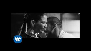 Manuel Medrano   La Mujer Que Bota Fuego (Feat. Natalia Jiménez) [Video Oficial]