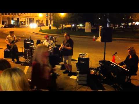 Revolution - Live at 440 / Micki's on Main