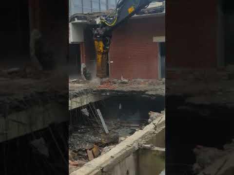 Video vom Abriss der Sporthalle