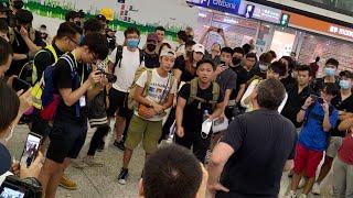 2019/0812/高質市民英語同受阻澳洲旅客勸喻。