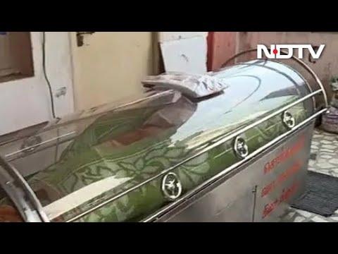 بالفيديو: رجل يستيقظ فجأة بعد وفاته في ثلاجة الموتى