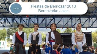 preview picture of video 'Gigantes en Fiestas de Berriozar 2013 Berriozarko Jaiak'