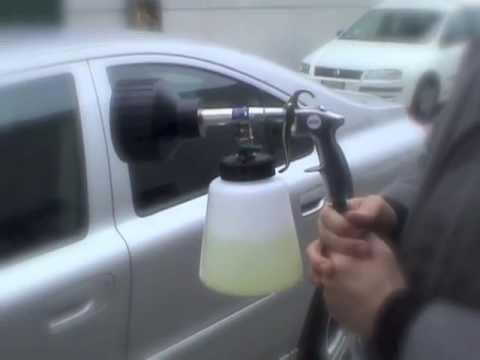 A-Vortice: demo prodotto per imparare a fare il car wash usando pistole ad aria e pistole a schiuma