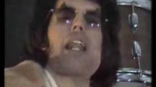 QUEEN - WE WILL ROCK YOU (TRADUCIDO AL ESPAÑOL)(1977)