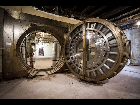 ABANDONED Federal Gold Exchange BANK!! (FOUND VAULT)