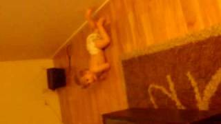 Elise leker bebis