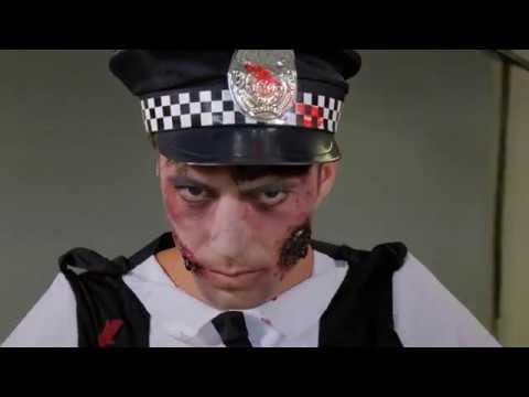Backstage servizio fotografico travestimento da Zombie – Halloween