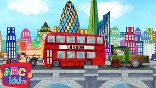 London Bridge is Falling Down (2D) | CoCoMelon Nursery Rhymes & Kids Songs
