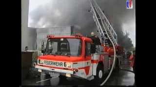 preview picture of video 'BIG FACTORY BLAZE / Großbrand Fa. Unomat Reutlingen 30.05.2000.'