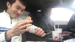 Gay Việt Chồng Mỹ Ăn Burger 🍔| Long Tran USA 👬