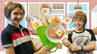 Адриан и Света готовят Майнкрафт завтрак - Яйцо в хлебе