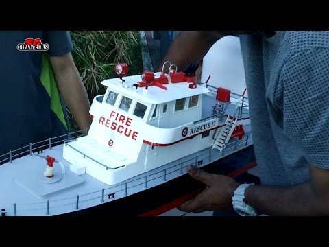 AquaCraft Models Rescue 17 RTR Scale Fireboat Unboxing And First Look