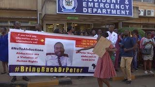 Zimbabwe Doctors March As Abducted Leader Still Missing