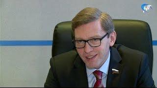 Сенатор Алексей Костюков провел прием граждан