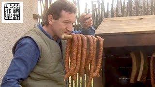 匈牙利美食烟熏香肠及乡村自给自足生活