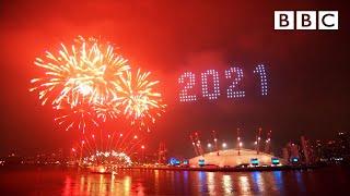 London's 2021 fireworks 🎆 Happy New Year Live! 🔴 BBC