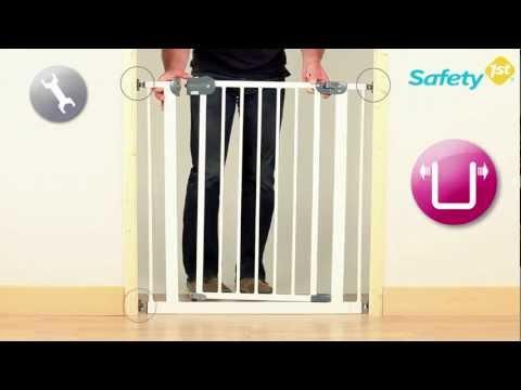 Montage d'une barrière de sécurité bébé par SAFETY FIRST