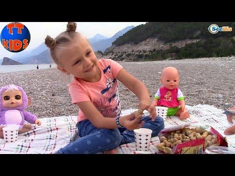 Ярослава и Куклы Беби Борн и Ненуко. Видео для детей. Пикник у моря Турция. Baby Born Nenuco