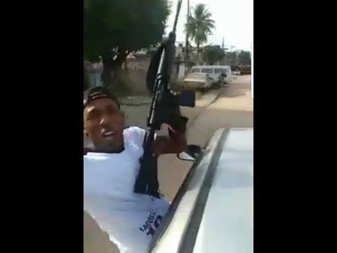 Bandidos Fortemente Armados De Fuzis Fazem Carreata Em Belford Roxo/RJ
