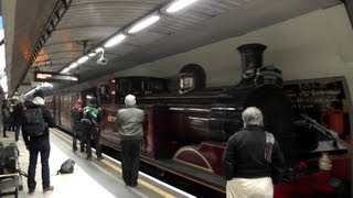 preview picture of video 'LU150 Steam Train @ Kings Cross St Pancras'