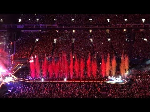 COLDPLAY HYMN FOR THE WEEKEND LIVE AT THE HARD ROCK STADIUM IN MIAMI 08/28/17