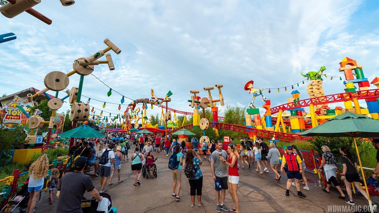 Toy Story Land walkthrough on opening day
