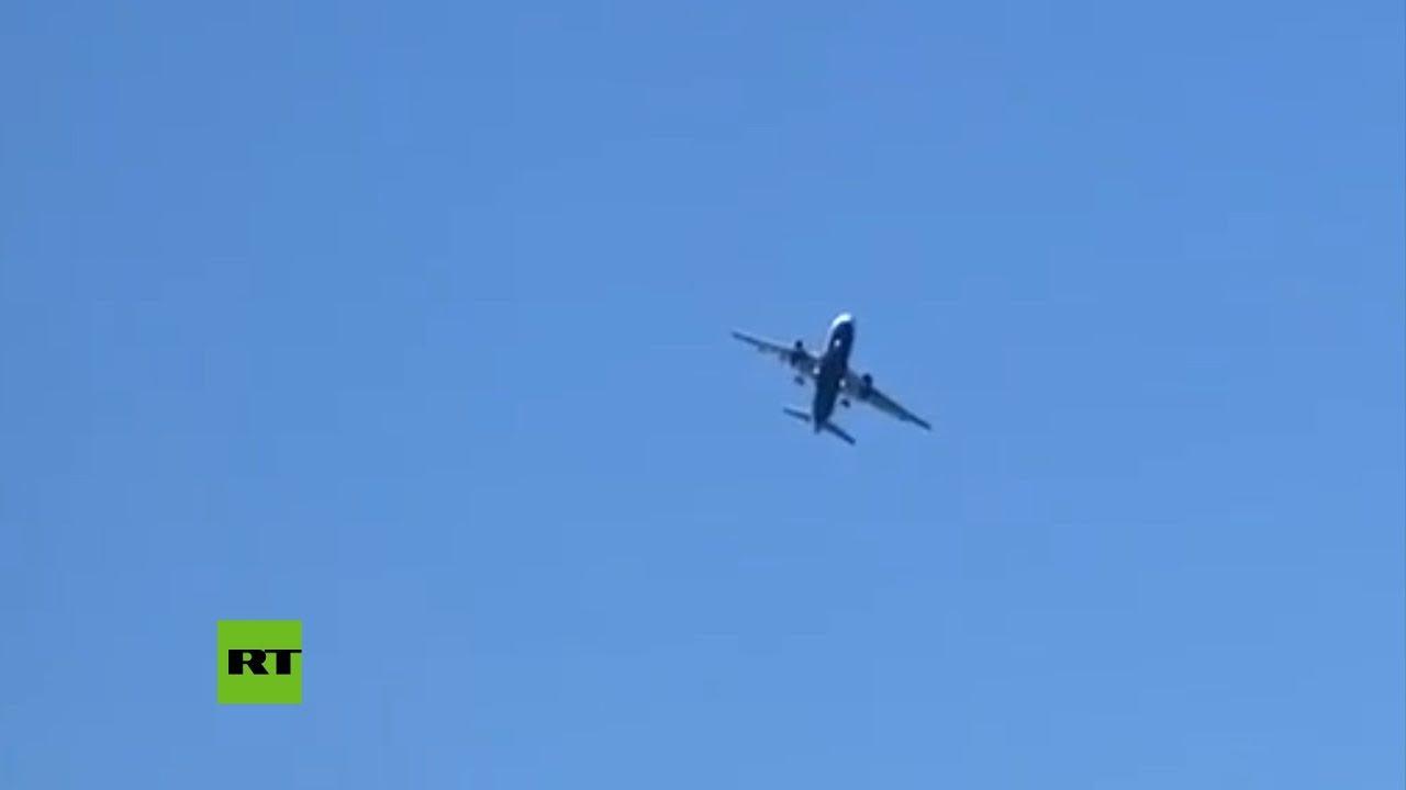 Из-за сильных порывов ветра самолёт British Airways не смог приземлиться
